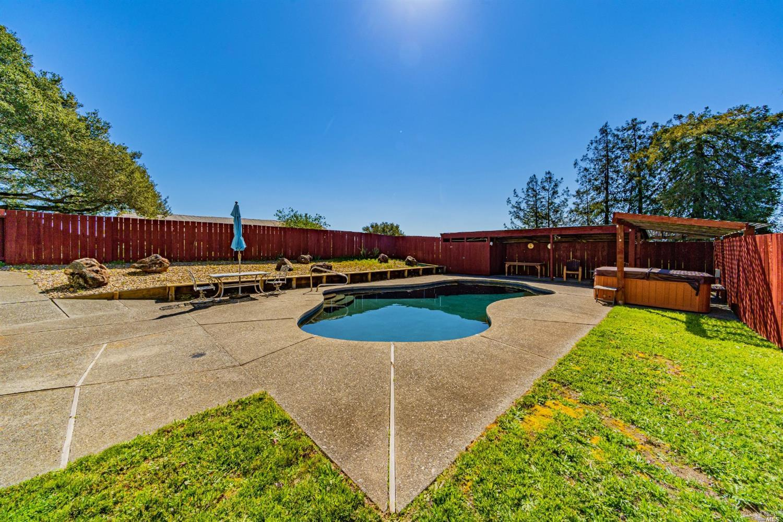 Listing 321021793 : 411  Bannon Lane, Penngrove, CA, 94951  (photo 26)