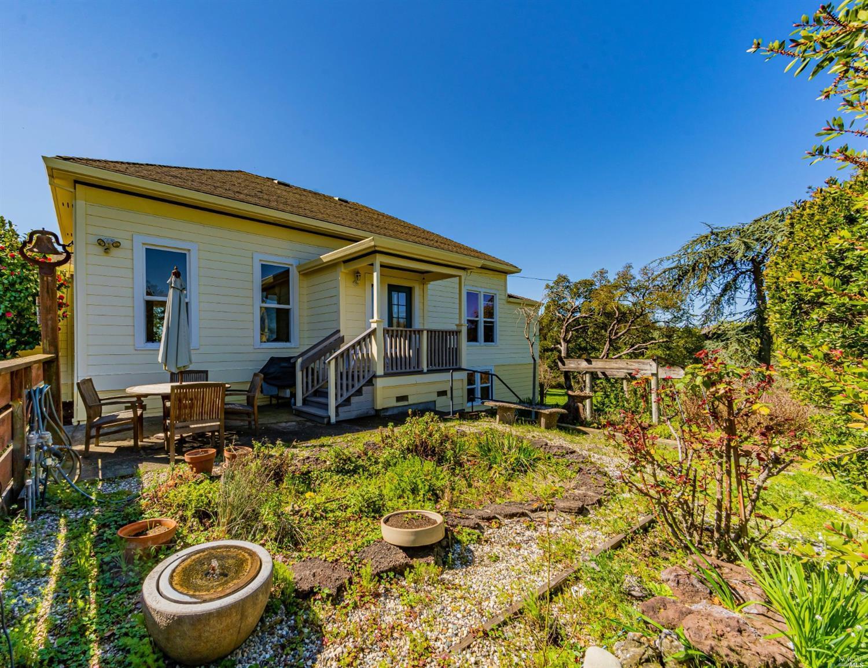 Listing 321021793 : 411  Bannon Lane, Penngrove, CA, 94951  (photo 24)