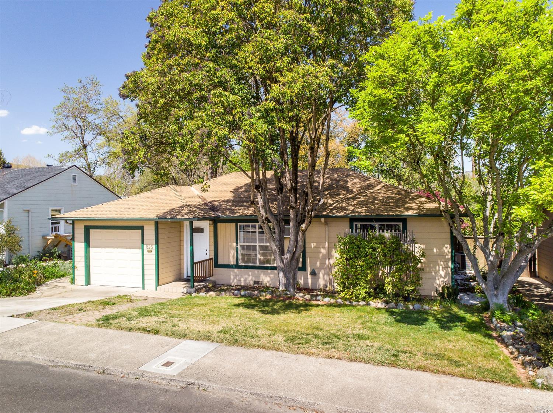 825 Mendocino Drive, Ukiah, CA 95482