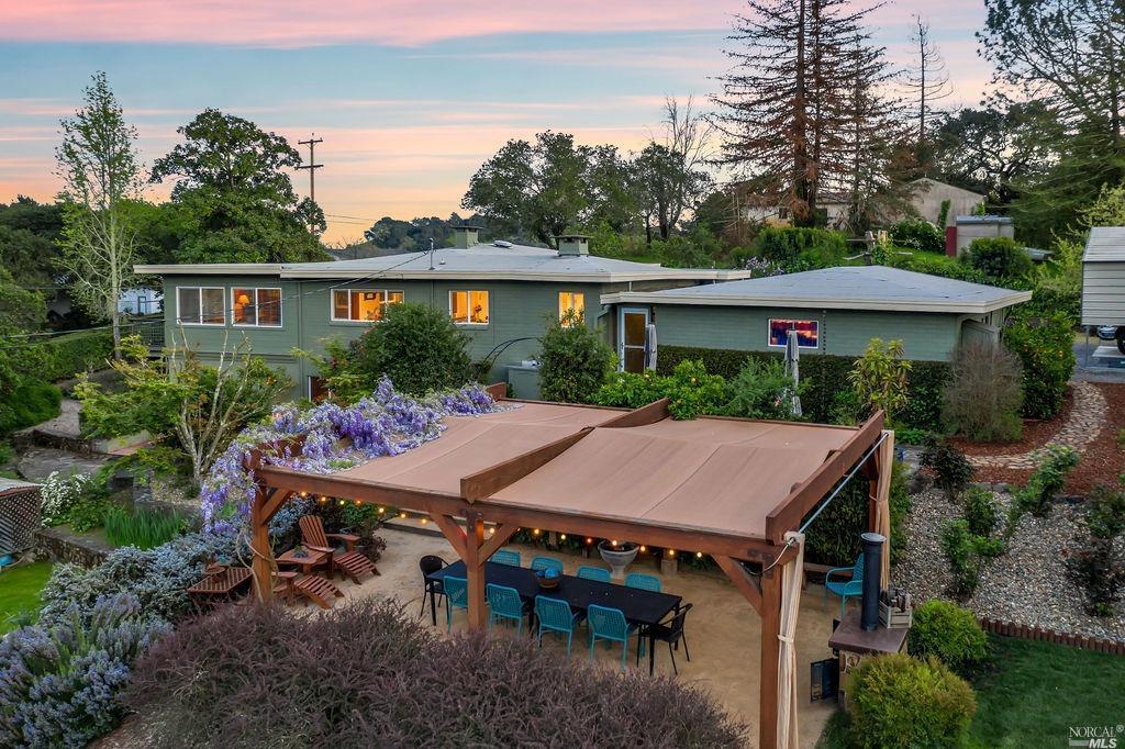 Photo of 1131 Grandview Drive, Napa, CA 94558