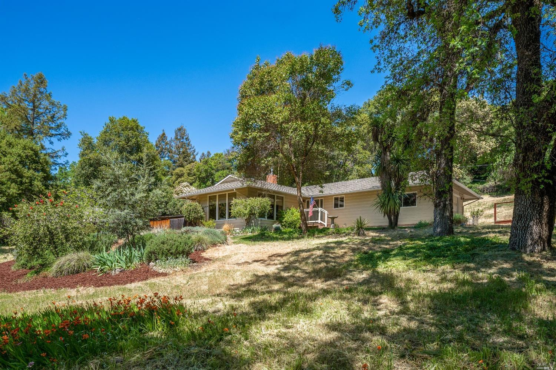 1291 Deerwood Drive, Ukiah, CA 95482