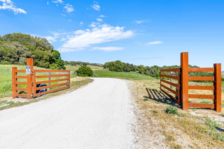 Listing 321032642 : 4014  Manor Lane , Petaluma, CA, 94952  (photo 2)