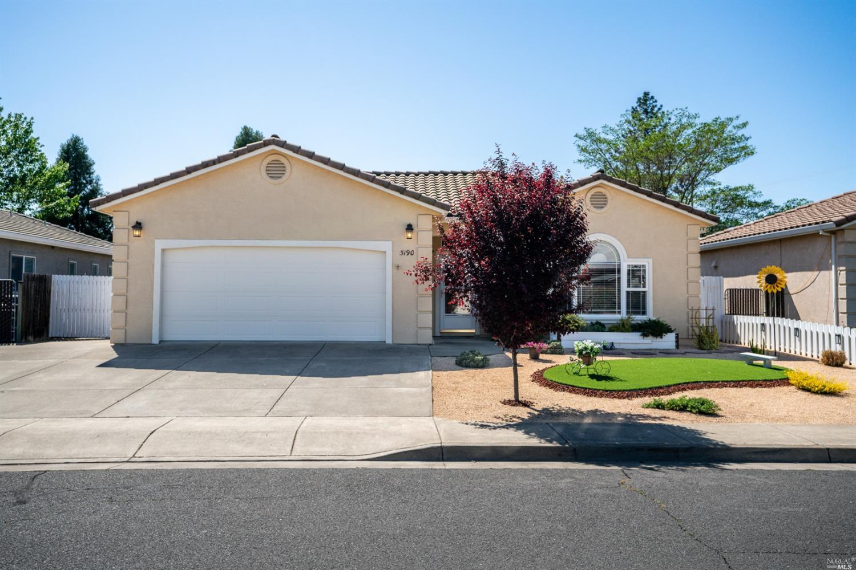 3190 Van Housen Drive, Ukiah, CA 95482