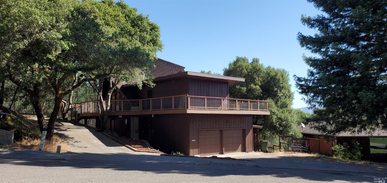 988 Fairway Avenue, Ukiah, CA 95482