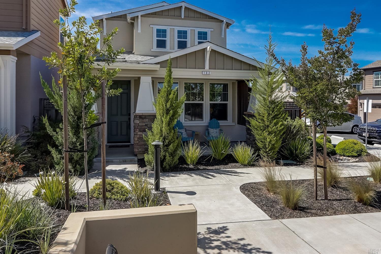 102 Lavender Circle, Healdsburg CA 95448