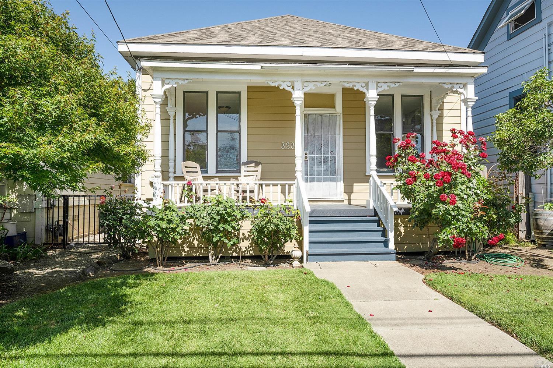 323 Coombs Street, Napa CA 94559