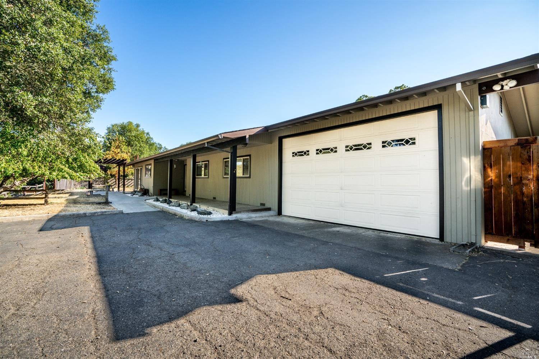 371 Quail Drive, Ukiah, CA 95482