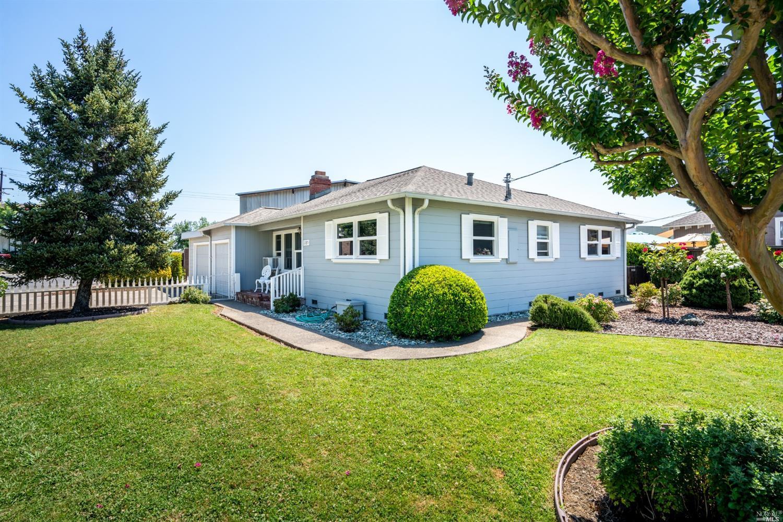 1185 N Oak Street, Ukiah, CA 95482