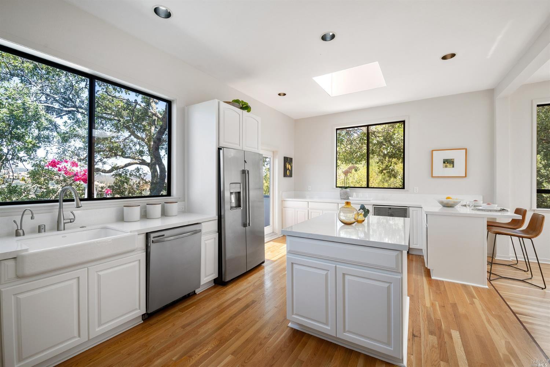 Listing 321066404 : 233  Hillside Drive, Fairfax, CA, 94930  (photo 29)