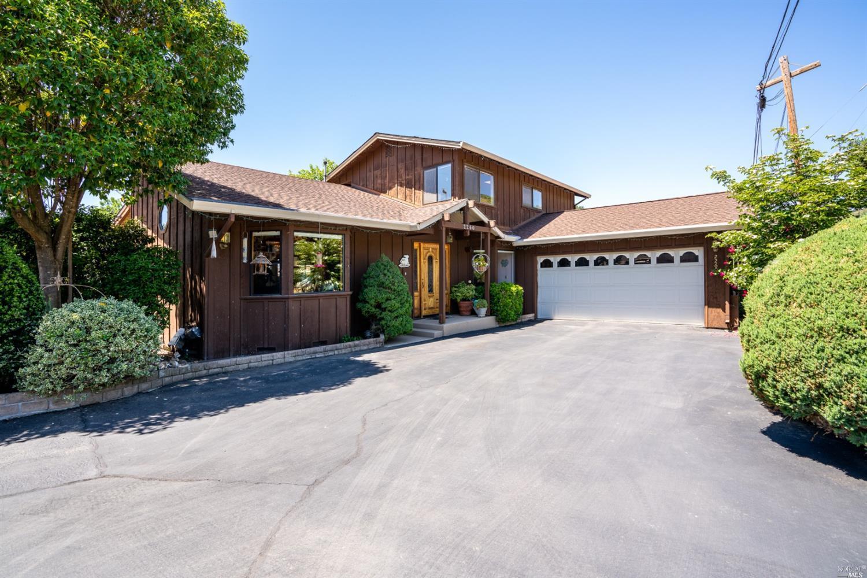 2260 Peterson Lane, Ukiah, CA 95482