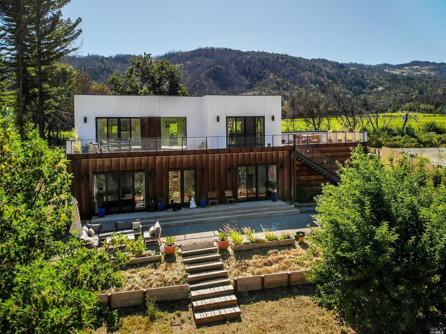 13161 Tomki Road, Redwood Valley, CA 95470