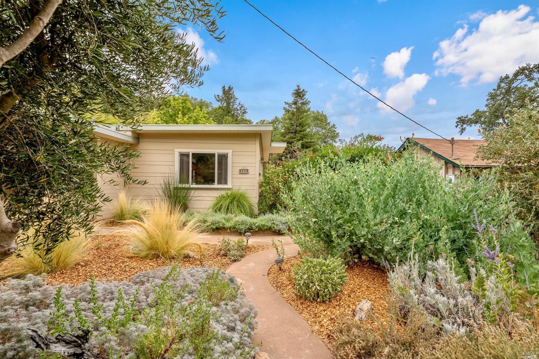516 Redwood Avenue, Ukiah, CA 95482
