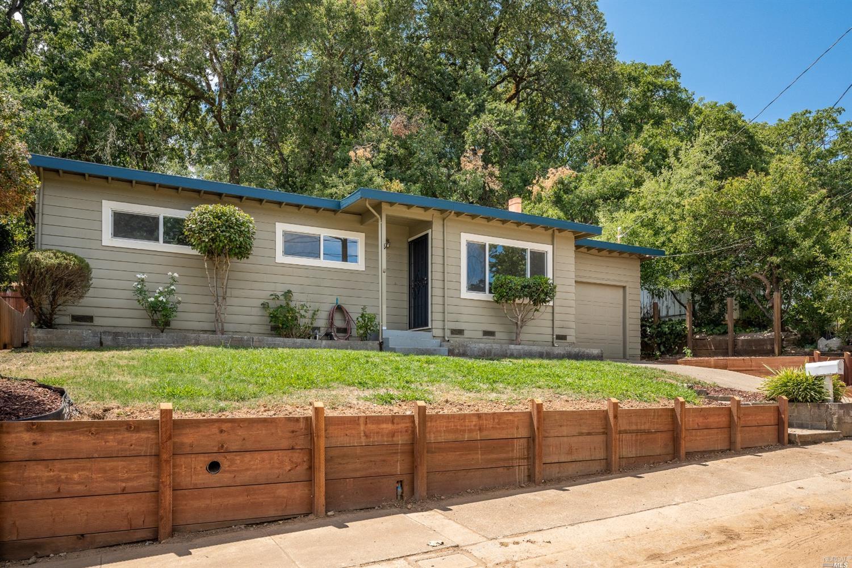 106 Canyon Drive, Ukiah, CA 95482