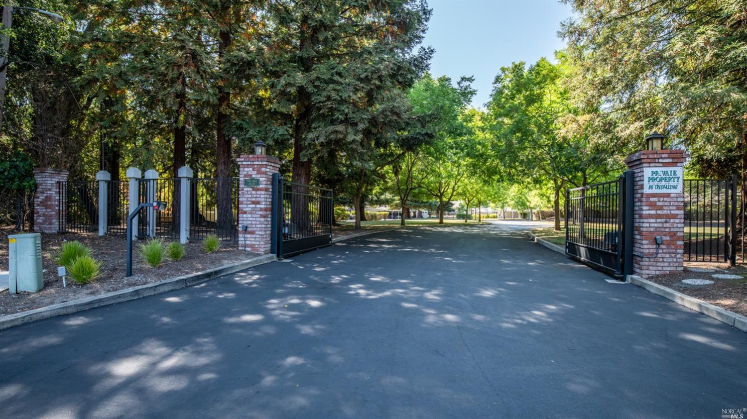Exquisitely remodeled one story townhome at Deercreek Estates in the heart of Sonoma's Wine Country. This hidden and gated 28-unit community backs to the open space and creek at Bear Cave Park. Open living/dining room with vaulted ceilings & wood burning fireplace, and stunning quartz kitchen with stainless appliances provides a great room feel. Kitchen door opens to private back deck and patio garden for outdoor dining and entertaining. A rear gate opens to a walking path along the creek. Primary bedroom suite plus 2nd bedroom, and beautifully renovated bathrooms. Washer/dryer in unit, storage closet on deck, and larger storage behind carport to store your bicycles for cruising downtown. Close to the sparkling community pool, and surrounded by grassy meadows. Excellent first-time buyer opportunity, or 2nd home option just mins from the Sonoma Plaza.  Ready to move in and enjoy all that Sonoma offers!