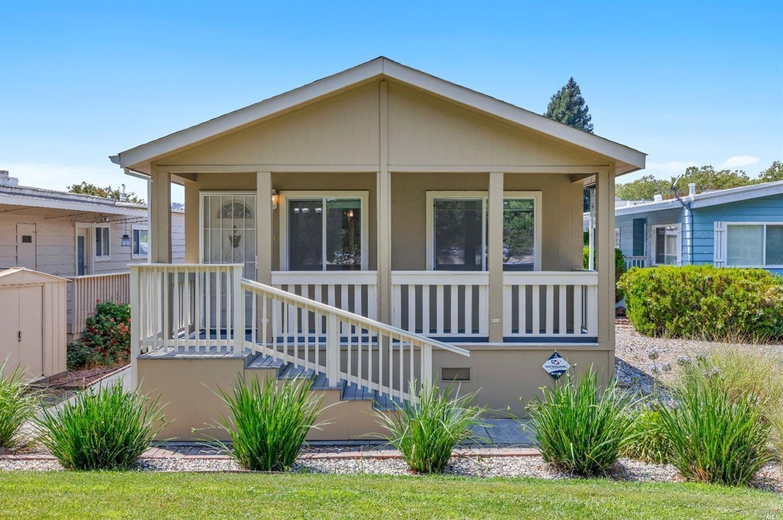 18 Hacienda Drive, Napa CA 94558