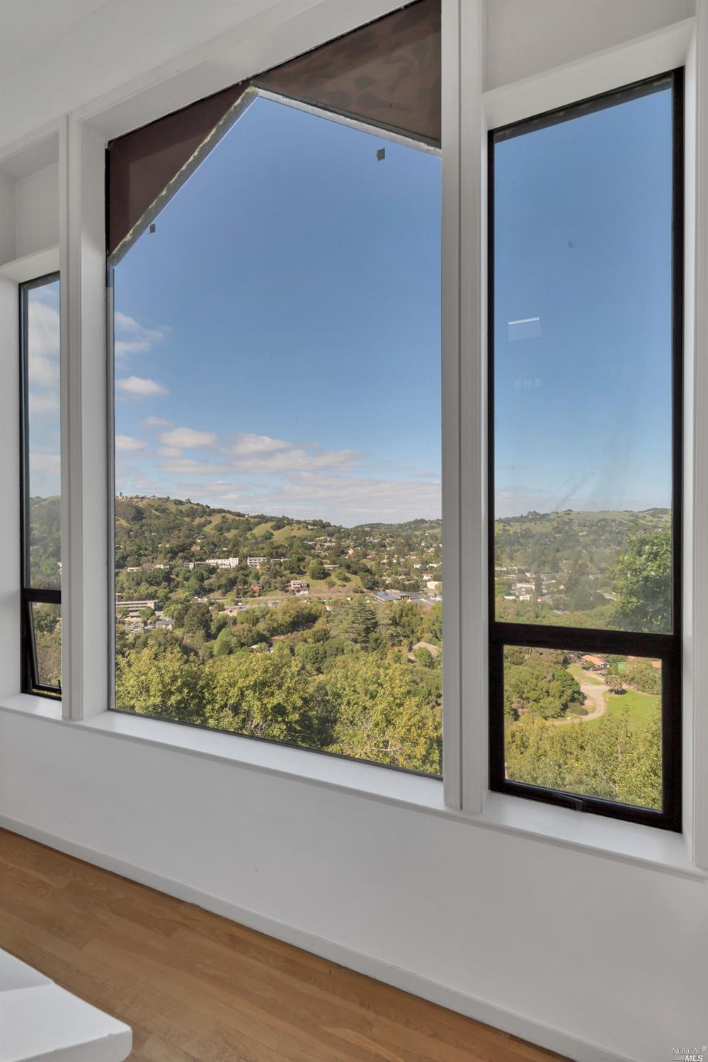 Listing 321066404 : 233  Hillside Drive, Fairfax, CA, 94930  (photo 38)