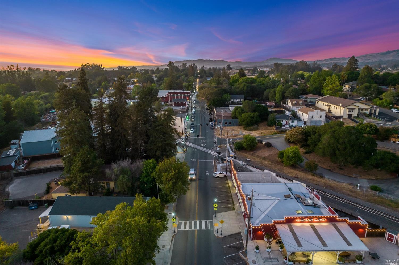 Listing 321080680 : 9986  Oak Street, Penngrove, CA, 94951  (photo 40)