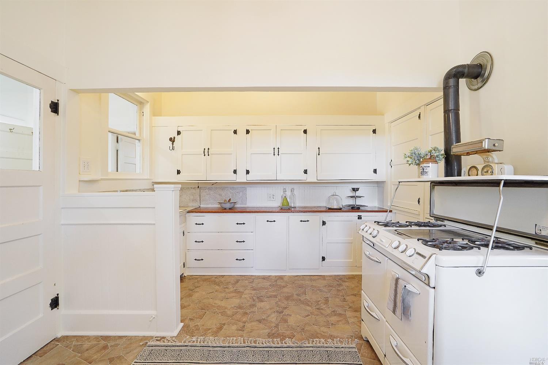 Listing 321080680 : 9986  Oak Street, Penngrove, CA, 94951  (photo 10)
