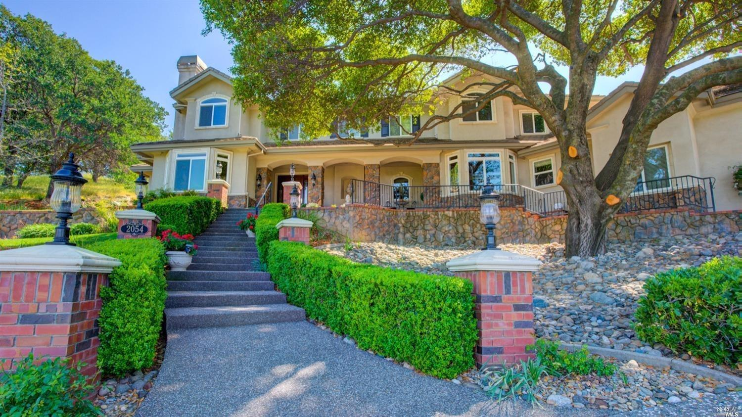Photo of 2054 Pinecrest Court, Vacaville, CA 95688