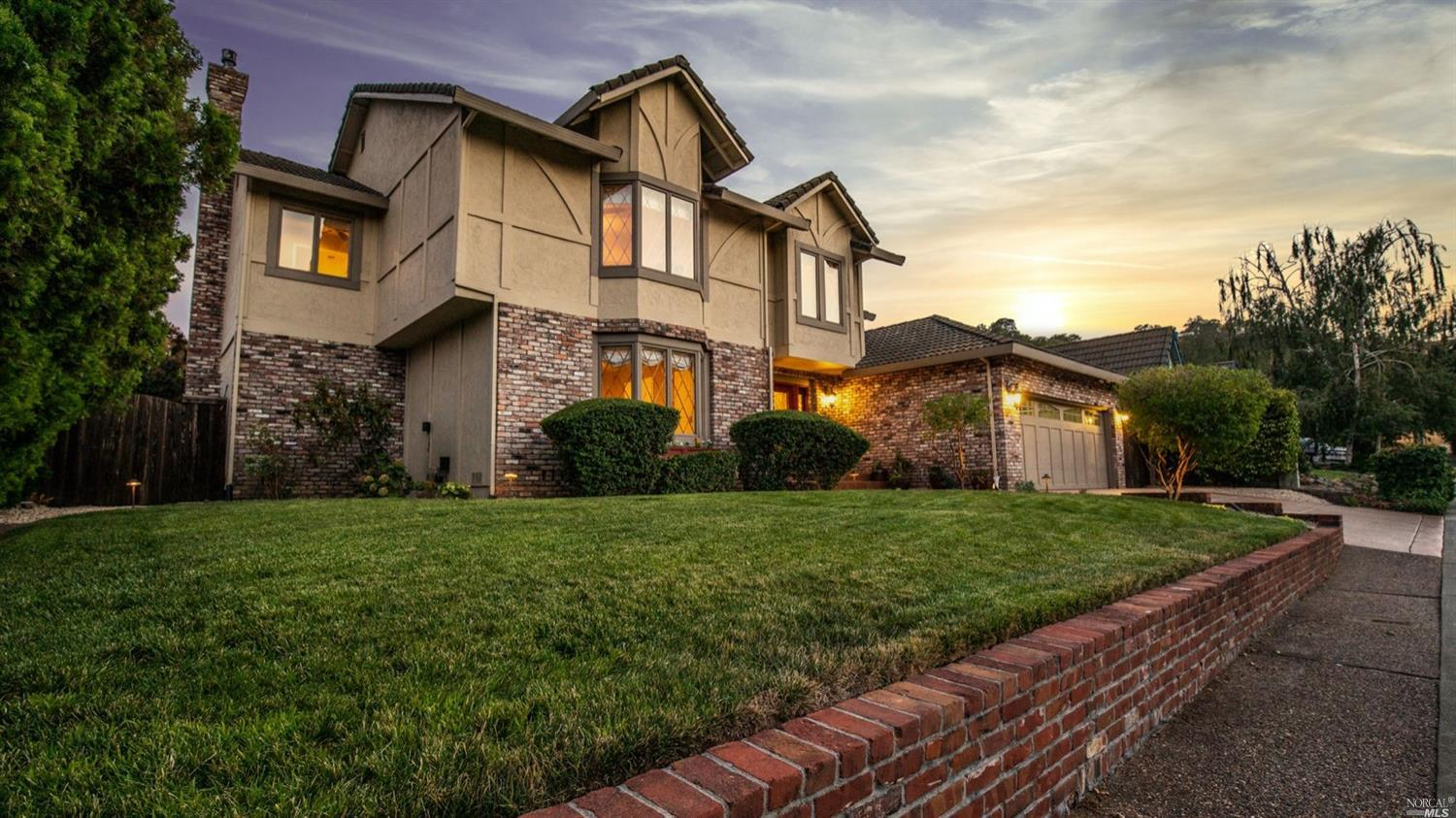 Photo of 167 Hillview Drive, Vacaville, CA 95688