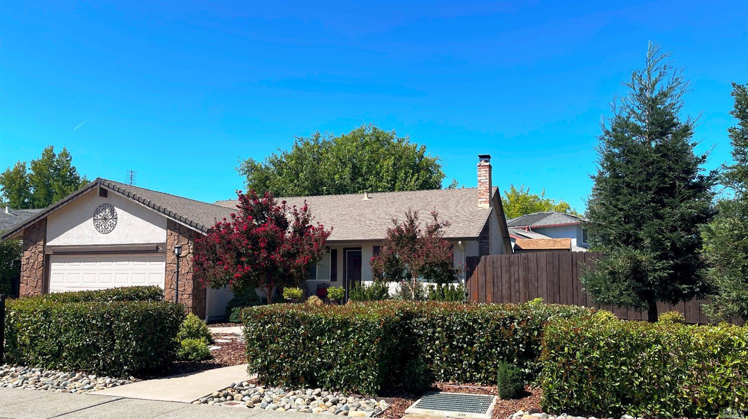 Welcome Home!  Beautifully maintained home in North Vacaville's Crestview neighborhood.  Tastefully