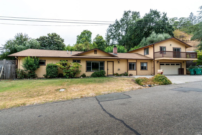 279 Toyon Road, Ukiah, CA 95482