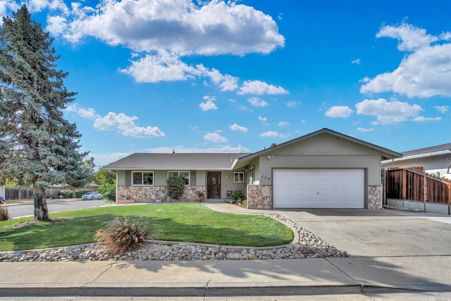 This spacious single story home located in the Travis Acres subdivision is beautiful inside and out!