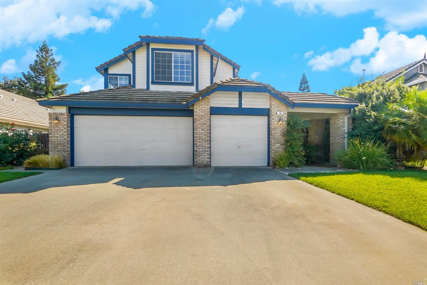 Are you ready to move in and make lasting memories? Beautiful move in ready home located in a court