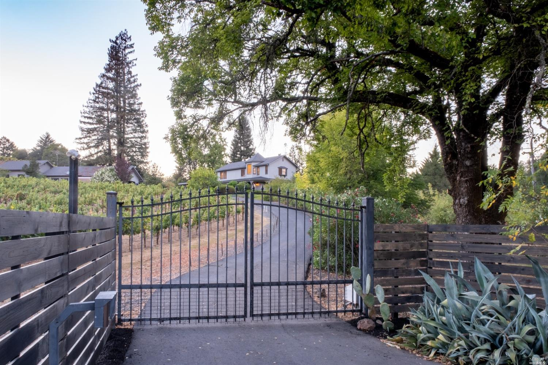 Listing 321089337 : 3875  W Dry Creek Road, Healdsburg, CA, 95448  (photo 54)