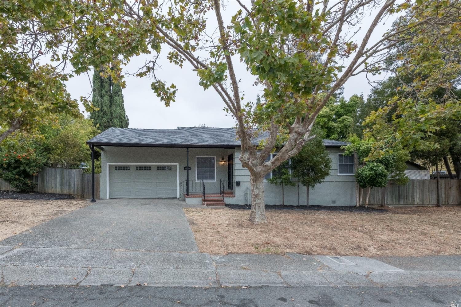 Very nice three bedroom home in an established neighborhood. This property has many upgrades and has