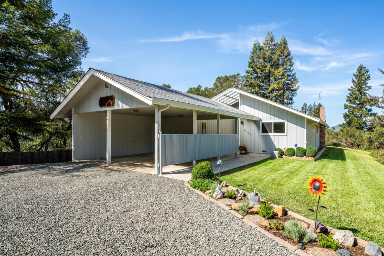 1280 Road B, Redwood Valley, CA 95470