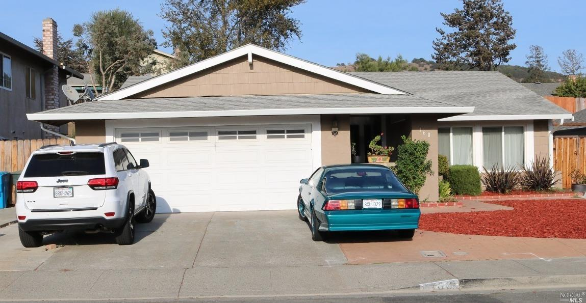 Gorgeous property in a small street, very close to American Canyon.  Easy access to high way 29 and