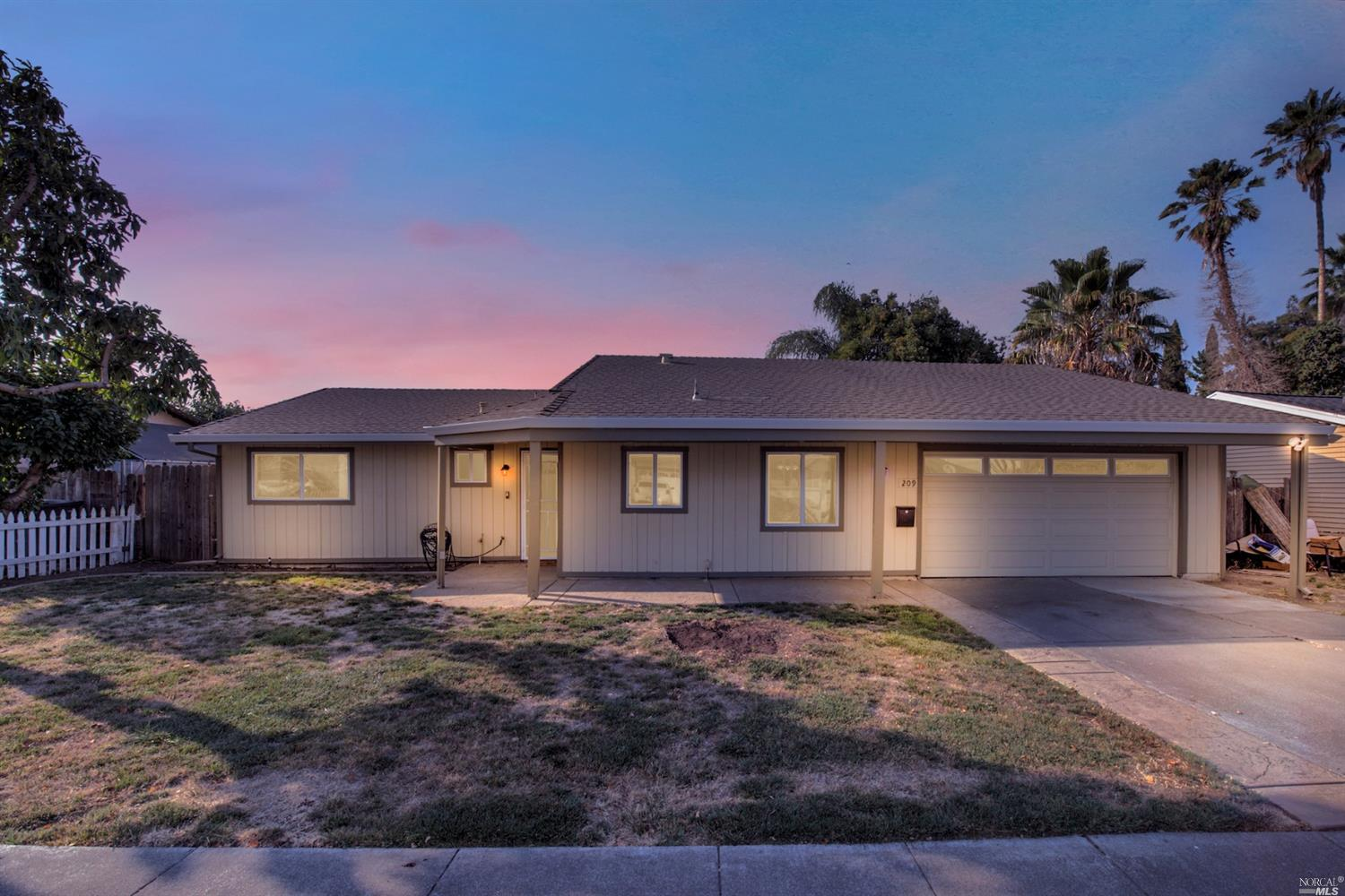 Lovingly maintained single story home located close to the Suisun slough waterfront. Fall in love wi