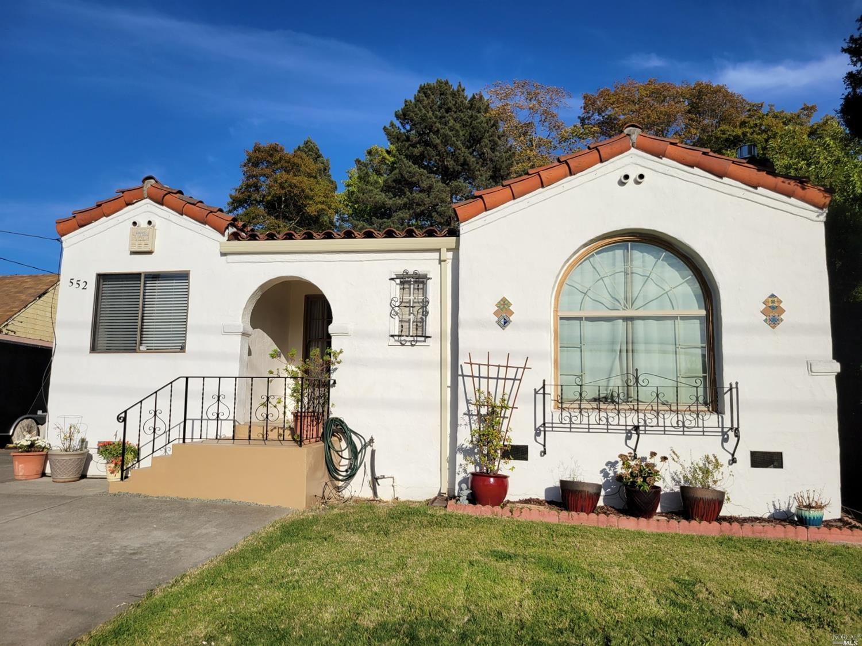 Price Reduced! 3 bedroom, 2 bath home in East Vallejo. Originally  a 2 bedroom, 1 bath home. The cur