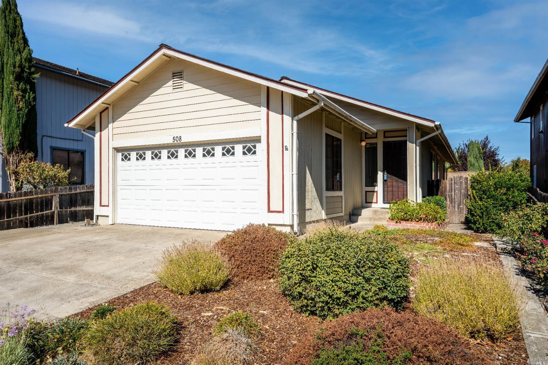 508 Capps Lane, Ukiah, CA 95482
