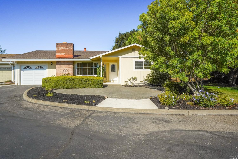 121 Vineyard Circle, Sonoma CA 95476
