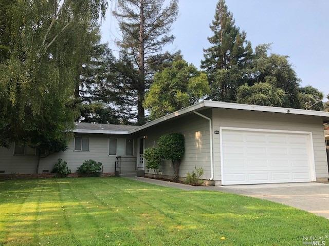 First Time Ever On Market. In a lovely, Southwest Napa neighborhood, sits this one level, Devita bui