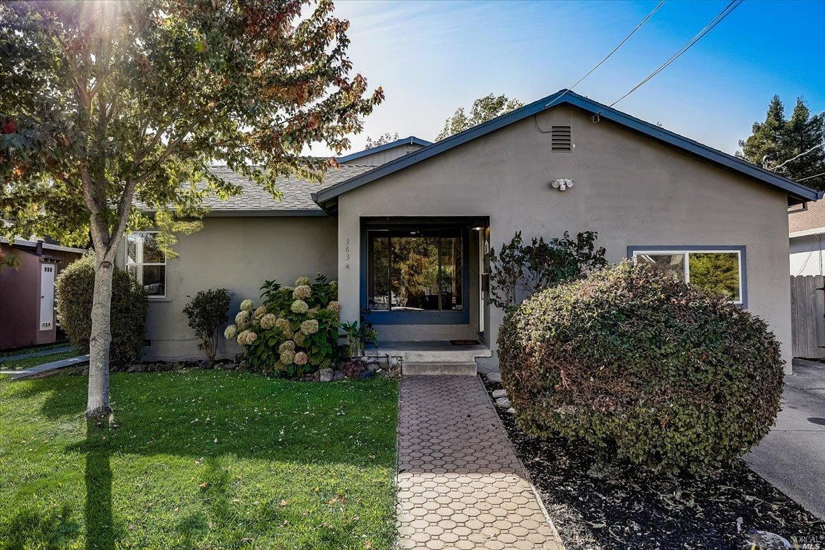 363 Foster Road, Napa CA 94558