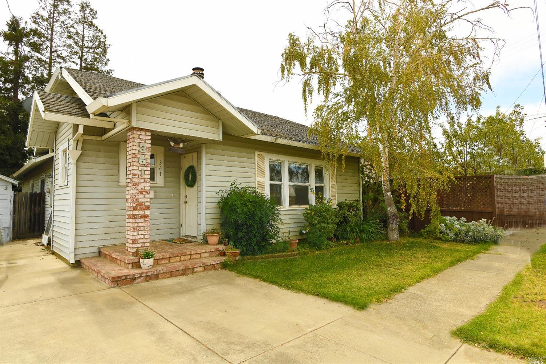 Photo of 361 W Walnut Street, Dixon, CA 95620