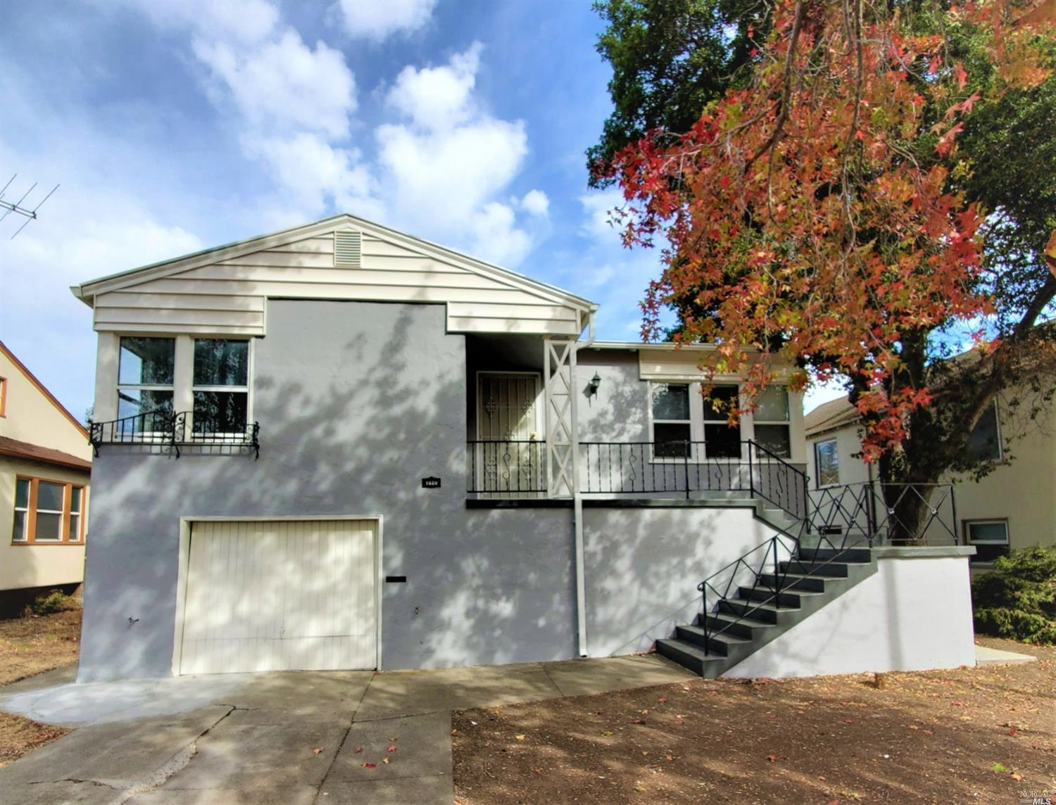 Gorgeous, 4 bedroom fully remodeled house near the freeway, centrally located from San Francisco and
