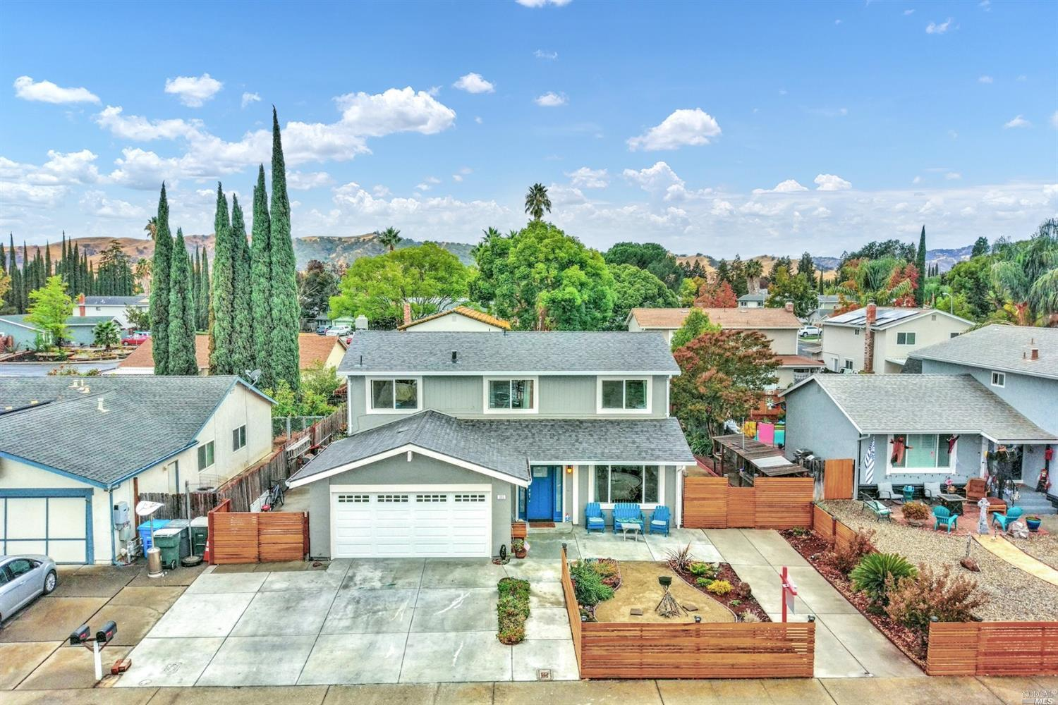 Whoa honey!! This is it, Call the agent. 4 Bedrooms walking distance to a k-8 school, shopping and r
