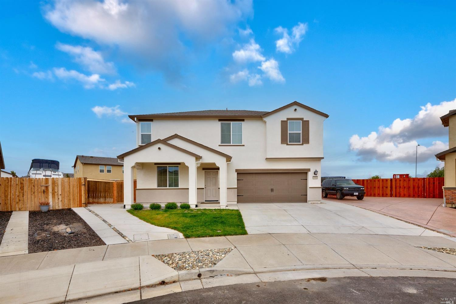 Almost 10,0000 Square feet lot. One of the biggest in the neighborhood waiting for your own ideas. A